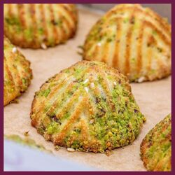 Maamoul With Date & Pistachio 1k